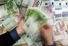 <p>Banconote Euro in diversi tagli. REUTERS/Russell Boyce</p>
