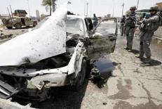 <p>Carro-bomba deixa 6 mortos e 14 feridos em Bagdá. Um carro-bomba matou seis civis neste domingo e deixou outras 14 pessoas feridas no distrito de Shaab, ao norte de Bagdá, informou a polícia. 6 de julho. Photo by Thaier Al-Sudani</p>
