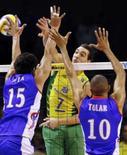 <p>A seleção brasileira masculina de vôlei derrotou a França neste sábado. Photo by Washington Alves</p>