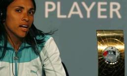 <p>Foto de arquivo da jogadora brasileira Marta durante entrevista coletiva em dezembro do ano passado. Photo by Christian Hartmann</p>