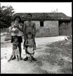 <p>Foto de divulgação do novo documentário de José Padilha, 'Garapa', que fala sobre a fome e a miséria em três famílias brasileiras. O filme deve estrear em setembro. Photo by $Byline$</p>
