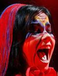 <p>A cantora islandesa Bjork, que causou polêmica na China ao gritar 'Tibet, Tibet' no meio de sua música 'Declare Independence'. Photo by Denis Balibouse</p>