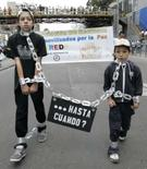 <p>Manifestantes colombianos protestam contra o sequestro em Bogotá, 20. Photo by Jose Miguel Gomez</p>