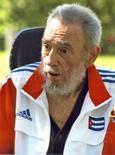 <p>Fidel Castro anima delegação olímpica cubana. O ex-presidente cubano, Fidel Castro, animou a delegação de seu país que competirá nos Jogos Olímpicos de Pequim, pouco antes do embarque do primeiro grupo de 85 atletas à China, informou neste sábado a imprensa oficial do país. 26 de julho. Photo by Reuters (Handout)</p>