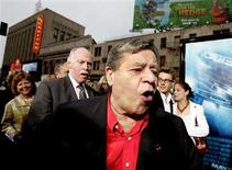 """<p>Comedian Jerry Lewis (C) arrives at the premiere of """"Poseidon"""" at the Grauman's Chinese theatre in Hollywood in this file image from May 10, 2006. Lewis was detained by police in Las Vegas late last week when airport screeners found an unloaded gun in his baggage, authorities said on July 30, 2008. REUTERS/Mario Anzuoni/Files</p>"""