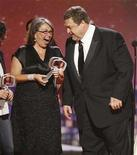 "<p>Actors Roseanne Barr (L) and John Goodman, stars of the TV series ""Roseanne"", accept the Innovator Award at the taping of the 6th annual TV Land Awards in Santa Monica June 8, 2008. REUTERS/Fred Prouser</p>"