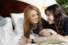 """<p>Blake Lively and America Ferrera (R), stars of the film """"The Sisterhood of the Traveling Pants 2"""", pose during a portrait session in New York in this July 27, 2008 file photo. REUTERS/Keith Bedford/Files</p>"""