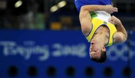 <p>Diego Hypólito compete na prova classificatória do solo, neste sábado, na Olimpíada de Pequim. Photo by Dylan Martinez</p>