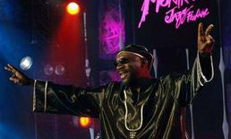 <p>U.S. musician, actor and singer Isaac Hayes performs in the Wattstax Revue at the Montreux Jazz Festival in Montreux, in this July 2, 2005 file photo. Oscar-winning soul singer Hayes died in Memphis on Sunday, aged 65, his friend and former manager Onzie Horne said. REUTERS/ARC-Jean-Bernard Sieber/Files</p>
