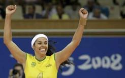 <p>Paula Pequeno comemora vitória da seleção feminina de vôlei do Brasil sobre a Rússia, neste segunda-feira, nos Jogos de Pequim. Photo by Sergio Moraes</p>