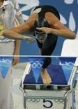 <p>O brasileiro Thiago Pereira mergulha pra a prova dos 200m medley, em Pequim, dia 13 de agosto. Thiago Pereira se classificou para as semifinais da prova dos 200 metros medley, sua especialidade, fazendo um tempo melhor que o do recordista mundial Michael Phelps, na quarta-feira. Photo by Jason Reed</p>