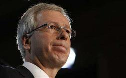 <p>Liberal leader Stephane Dion announces his party's carbon tax plan during an event on Parliament Hill in Ottawa June 19, 2008. REUTERS/Chris Wattie</p>