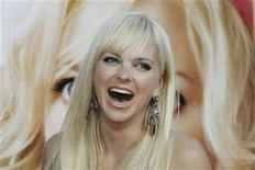 """<p>Anna Faris, the star and executive producer of the comedy film """"The House Bunny"""", poses at the film's premiere in Los Angeles August 20, 2008. REUTERS/Fred Prouser</p>"""