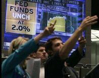 <p>Traders in un'immagine d'archivio. REUTERS/Frank Polich (Usa)</p>