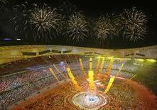 <p>Los auspiciantes de los Juegos de Pekín gastaron cientos de millones de dólares por estar 16 días en el centro de la escena y reconocen que fue dinero bien invertido para afianzarse en el enorme mercado chino. El dinero de los anunciantes es una gran parte de los Olímpicos, se estima que representaron un tercio de los ingresos entre 2001 y 2004, pero el 60 por ciento o más de los auspiciantes de Pekín estuvieron focalizados tanto en la nación anfitriona como en los Juegos mismos. Photo by Kim Kyung-Hoon/Reuters</p>