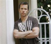"<p>Actor Guy Pearce who stars in the upcoming movie ""Traitor"" poses for a portrait in Los Angeles August 18, 2008. REUTERS/Mario Anzuoni</p>"