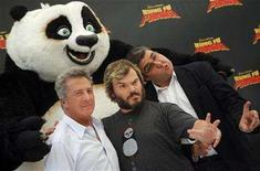 "<p>Dustin Hoffman and Jack Black pose with Spanish voice actor Florentino Perez during a photocall to promote the animated film ""Kung Fu Panda"" in Madrid June 24, 2008. REUTERS/Susana Vera</p>"