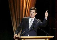 <p>Comedian Stephen Colbert presents an award during the 2007 Glamour Magazine Woman of the Year awards show in New York November 5, 2007. REUTERS/Lucas Jackson</p>
