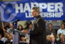 <p>Canada's Prime Minister Stephen Harper delivers his speech during a campaign rally at St. Volodymyr Cultural Centre in Oakville, September 16, 2008. Canadians will head to the polls in a federal election October 14. REUTERS/ Mike Cassese</p>