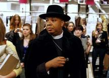 <p>Hip-hop artist Reverend Run of Run DMC waits backstage before the Betsey Johnson fall collections 2007 during New York Fashion Week, February 6, 2007. REUTERS/Finbarr O'Reilly</p>
