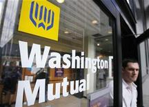 <p>A man leaves a branch of Washington Mutual in the financial district of New York September 19, 2008. REUTERS/Lucas Jackson</p>