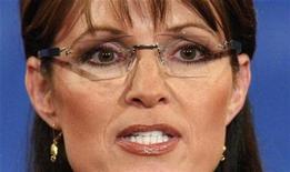 <p>La candidata republicana a la vicepresidencia de Estados Unidos, Sarah Palin, habla durante un debate en la Universidad de Washington en San Luis, Missouri, 2 oct 2008. La candidata republicana a la vicepresidencia de Estados Unidos, Sarah Palin, tiene un lejano parentesco con la fallecida princesa Diana y con el también difunto ex presidente de Estados Unidos Franklin Roosevelt, anunciaron el miércoles unos expertos en genealogía. REUTERS/Jim Young (EEUU)</p>