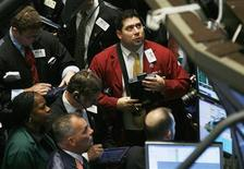 <p>Traders work on the floor of the New York Stock Exchange October 9, 2008. REUTERS/Shannon Stapleton</p>