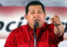 """<p>Президент Венесуэлы Уго Чавес произносит речь на встрече с рабочими в г.Валенсия, 11 сентября 2008 года Президент Венесуэлы социалист Уго Чавес назвал своего американского коллегу Джорджа Буша """"товарищем"""", заявив, что тот стал бескомпромиссным левым после вмешательства государства в дела крупнейших частных банков на фоне экономического кризиса в США.REUTERS/Miraflores Palace/Handout (VENEZUELA)</p>"""