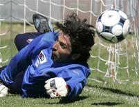 <p>Il portiere della nazionale e della Juventus Gigi Buffon. . REUTERS/Marco Bucco (ITALY)</p>