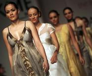 <p>Models present creations from designer Rahul Mishra's collection during the second day of Lakme Fashion Week in Mumbai October 21, 2008. REUTERS/Arko Datta</p>