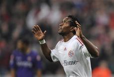 <p>O jogador Zé Roberto, do Bayern de Munique, comemora gol marcado contra a Fiorentina. 21 de outubro.REUTERS/Kai Pfaffenbach</p>