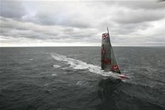 """<p>Richard Branson's boat """"Virgin Money,"""" sails in the ocean after departing New York, in an attempt to break the transatlantic mono-hull sailing record, October 22, 2008. REUTERS/Chip East</p>"""