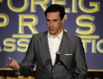 <p>Actor Jon Hamm speaks at the HFPA Installation Luncheon in Beverly Hills on July 30, 2008. REUTERS/Phil McCarten</p>