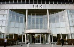 <p>A British Broadcasting Corporation (BBC) building is seen in White City in western London October 29, 2008. REUTERS/Alessia Pierdomenico</p>