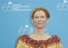 <p>British actress Tilda Swinton poses during a photocall in Venice, August 27, 2008. REUTERS/Denis Balibouse</p>