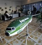 <p>A replica of an Iraqi Airways passenger plane is seen on display at a travel agency's office in Baghdad in this November 10, 2008 picture. IRAQ/TRAVEL REUTERS/Mahmoud Raouf Mahmoud</p>
