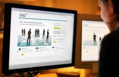 <p>Un utente visita il sito web di Xing, network globale per trovare lavoro. REUTERS/Bob Strong/Files (SWEDEN)</p>