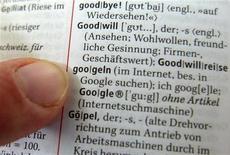 <p>Un'immagine di archivio di una pagina di dizionario. REUTERS/Alex Grimm</p>
