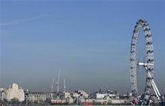 <p>A general view of the London skyline with the London Eye, February 9, 2008. REUTERS/Luke MacGregor</p>