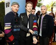 <p>Foto de archivo de los integrantes de la banda de rock británica Coldplay en Los Angeles, California, 1 jun 2008. REUTERS/Mario Anzuoni/Files (UNITED STATES)</p>