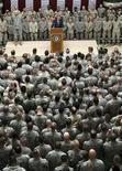 <p>Президент Джордж Буш выступает перед американским воинским контингентом в Багдаде. Американские войска могут остаться в иракских городах и после июня 2009 года, несмотря на условия соглашения по безопасности между Вашингтоном и Багдадом, предусматривающие вывод всех войск США из населенных пунктов Ирака к середине следующего года, заявил в субботу командующий Многонациональными силами в Ираке генерал-лейтенант Рэймонд Одьерно. 15/12/2008 Кевин Ламарк</p>