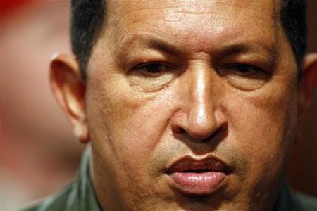 Venezuelan President Hugo Chavez pauses during a news conference with foreign media in Caracas, November 24, 2008. REUTERS/Jorge Silva