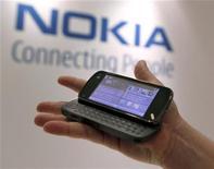 <p>Un cellulare Nokia N97. REUTERS/Brendan McDermid</p>
