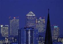 <p>The financial district of Canary Wharf is seen from central London January 22, 2009.REUTERS/Toby Melville</p>