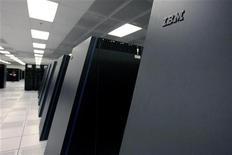 <p>Nuovo supercomputer Ibm con capacità calcolo 2 milioni di laptop. REUTERS/Kimberly White</p>
