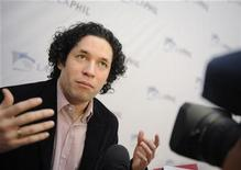 <p>Los Angeles Philharmonic Music Director Designate Gustavo Dudamel is interviewed at a news conference to announce programming for the 2009/10 season in Los Angeles January 22, 2009. REUTERS/Phil McCarten</p>