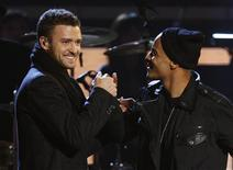 <p>Recording artists Justin Timberlake and T.I. (R) perform at the 51st annual Grammy Awards in Los Angeles, February 8, 2009. REUTERS/Lucy Nicholson</p>