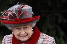 <p>Queen Elizabeth leaves Sandringham church following the annual Christmas Day church service at Sandringham Estate in Norfolk, east England December 25, 2008. REUTERS/Toby Melville</p>