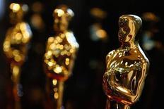 <p>Estatuetas do Oscar são exibidas durante evento em Chicago. REUTERS/John Gress</p>