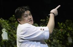 """<p>Japanese chef Seiji Yamamoto explains his cooking techniques during """"The best of Gastronomy"""", a four day cooking conference in San Sebastian November 23, 2006. REUTERS/Vincent West</p>"""